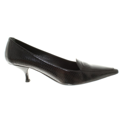 Prada pumps met Kittenheel