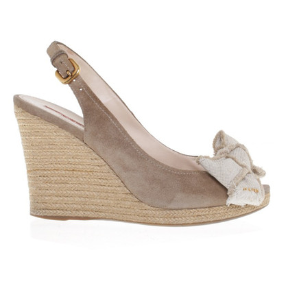 Prada Wildleder-Wedges in Beige