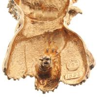 Carven Brooch in gold color