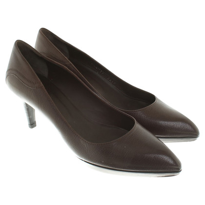 Bally Leather pumps in brown