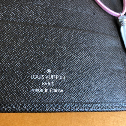 Louis Vuitton Agenda made of taiga leather