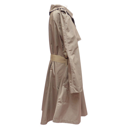 Lanvin Trenchcoat with rips belt