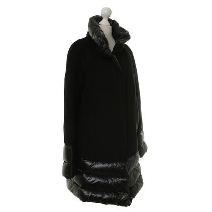 René Lezard Down coat in black