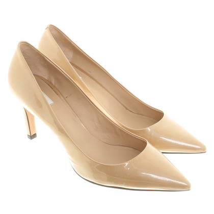 Max Mara pumps in beige