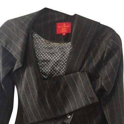 Vivienne Westwood Nadelstreifen-Kostüm