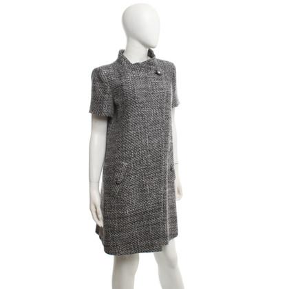 Chanel cappotto a maniche corte di colore grigio