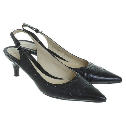 Hugo Boss pumps con rivetti