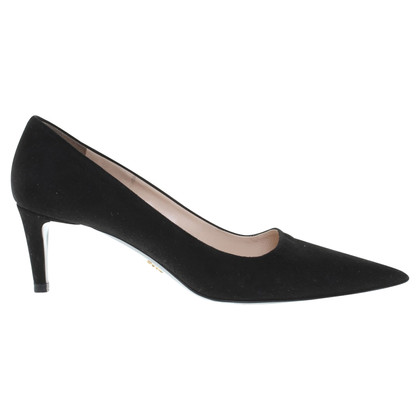 Prada Suede pumps in zwart