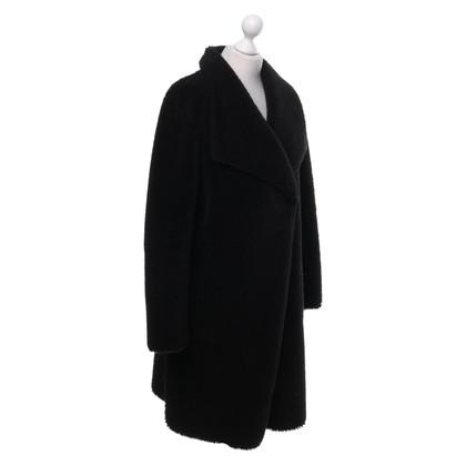 Velvet Manteau noir en fausse fourrure