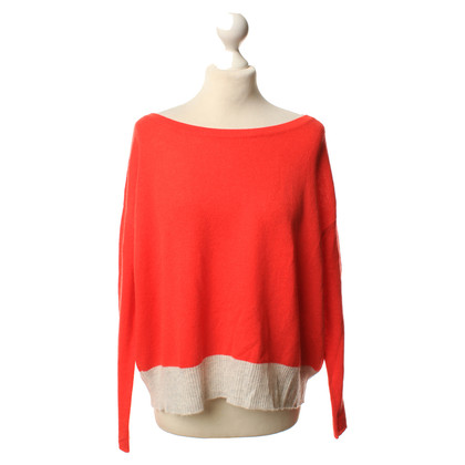 Duffy Cashmere sweaters in red and grey