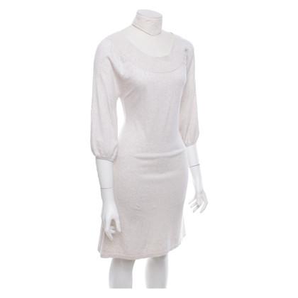 Set Dress in cream