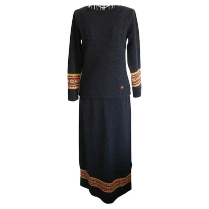 Burberry Knitted skirt suit