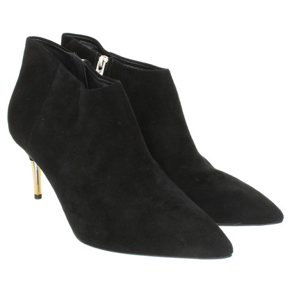Brian Atwood Ankle Boots in Schwarz
