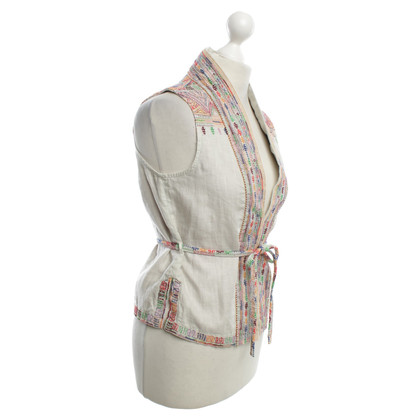 Closed Vest with decorative embroidery