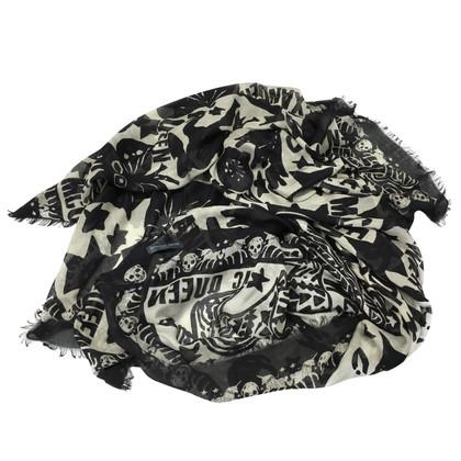 Alexander McQueen Cloth with skull print