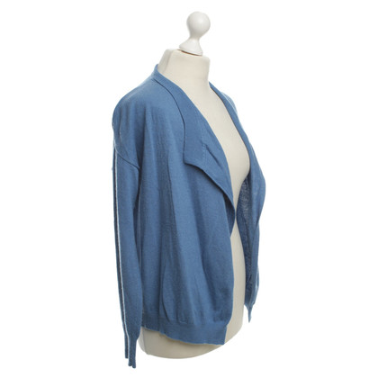 Closed Cardigan in Blue