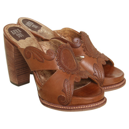 Anna Sui High heel sandal in Brown