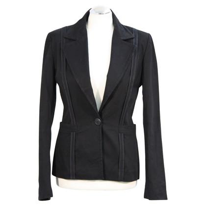 Tara Jarmon Jacket in black