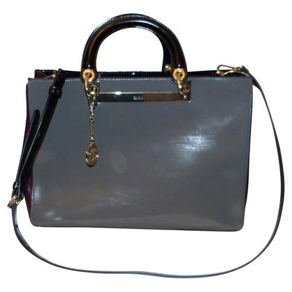 dkny handtasche second hand dkny handtasche gebraucht kaufen f r 235 00 708226. Black Bedroom Furniture Sets. Home Design Ideas