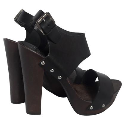Versace Sandaletten aus Leder