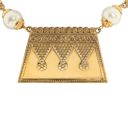 Chanel Necklace in gold color