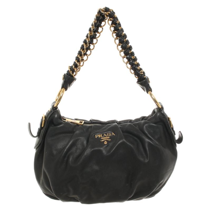 Prada Handtasche aus Leder in Schwarz Second Hand Prada