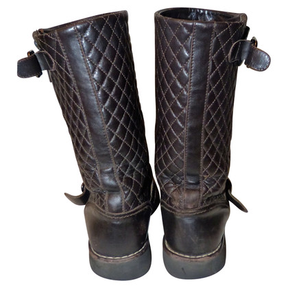 Chanel Stiefel