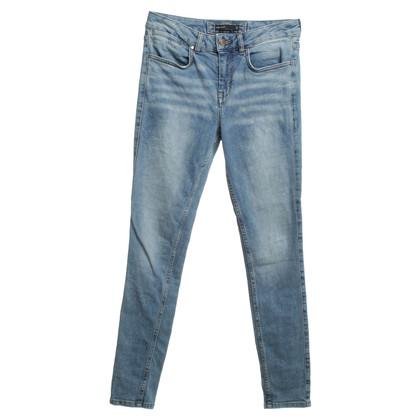 Karen Millen Jeans in Hellblau