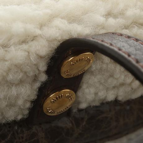 Footlocker Miu Miu Lammfell-Umhängetasche Braun Ganz Welt Versand Billig Verkauf Wirklich pKs8ag