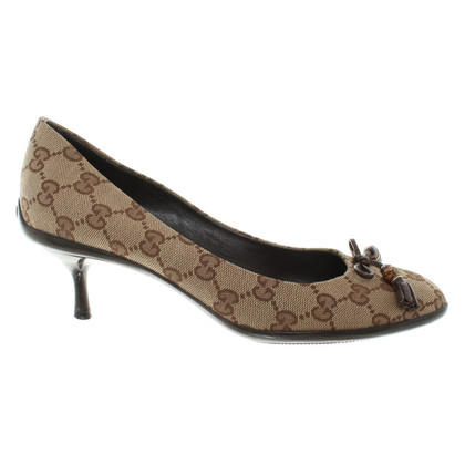 Gucci pumps made of canvas with logo pattern