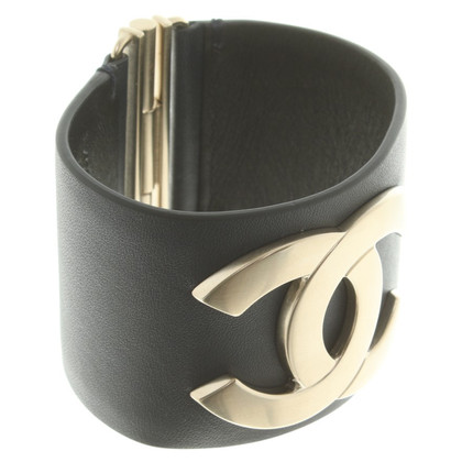 Chanel Armreif mit Logo-Applikation