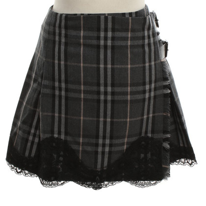 Burberry Mini skirt in college look
