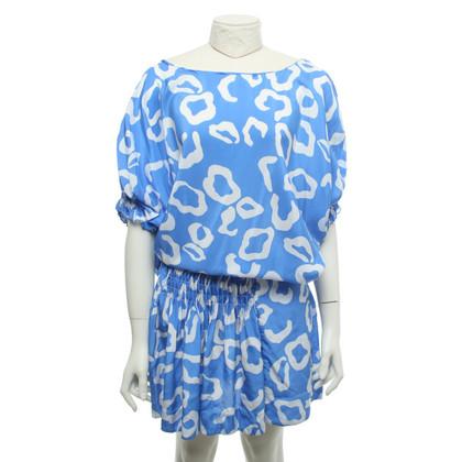 Diane von Furstenberg Robe en bleu / blanc