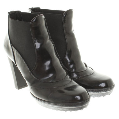 Tod's Boots made of patent leather