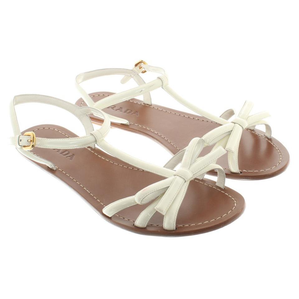 prada sandalen aus lackleder second hand prada sandalen aus lackleder gebraucht kaufen f r 150. Black Bedroom Furniture Sets. Home Design Ideas
