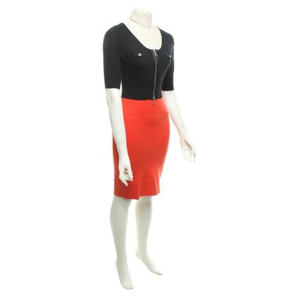Karen Millen Knit dress in black / coral red