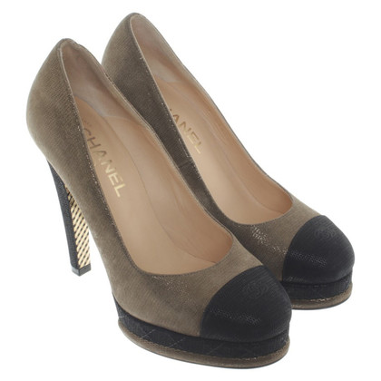 Chanel Pumps aus Veloursleder
