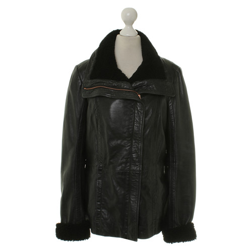 64aecefd5cd1 Ted Baker Leather jacket in black - Second Hand Ted Baker Leather ...