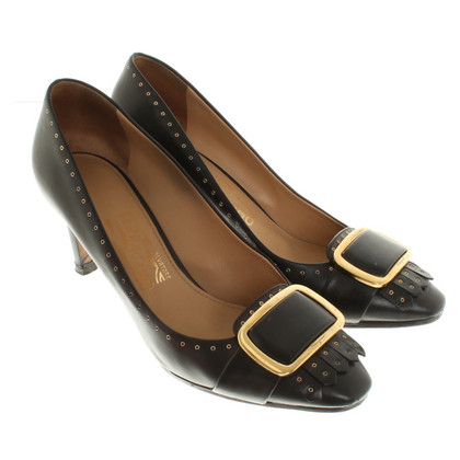 Salvatore Ferragamo Pumps in Schwarz