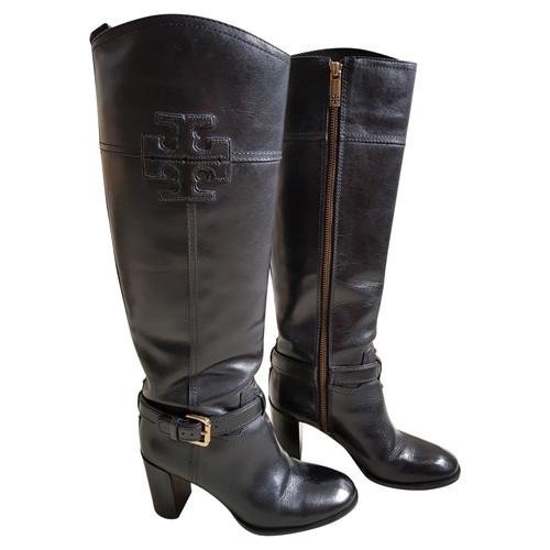 e870c77f9cbe Tory Burch Boots in black - Second Hand Tory Burch Boots in black ...