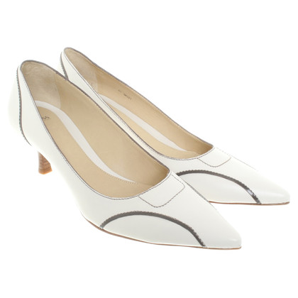 Hugo Boss pumps in white