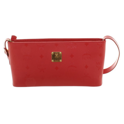 MCM clutch in red