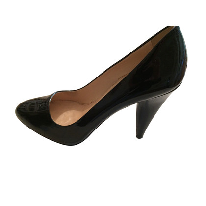 Prada Hof schoen in zwart lakleer