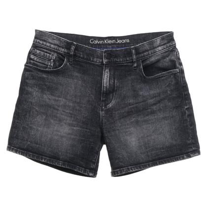 Calvin Klein Pantaloncini di jeans in grigio