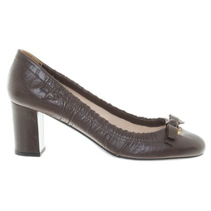 Prada Lederen pumps met strik