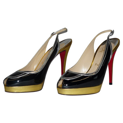 Christian Louboutin Peeptoes aus Lackleder