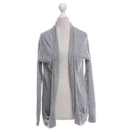Closed Cardigan in grey