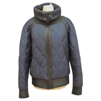 Chanel giacca trapuntata con bottoni logati