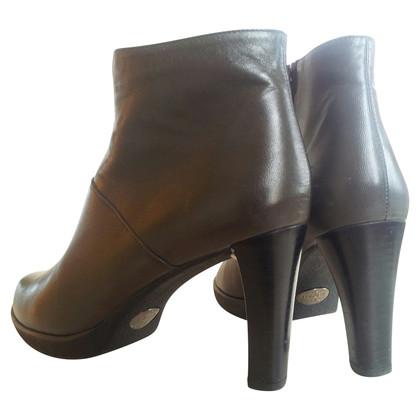 Stuart Weitzman Ankle boots in grey