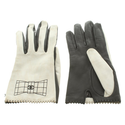 Chanel Gloves in black and white